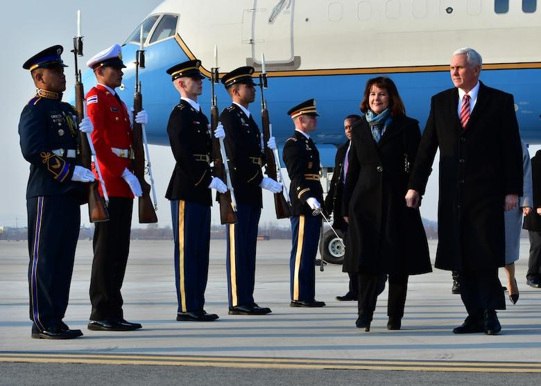 Vice President lands at Osan