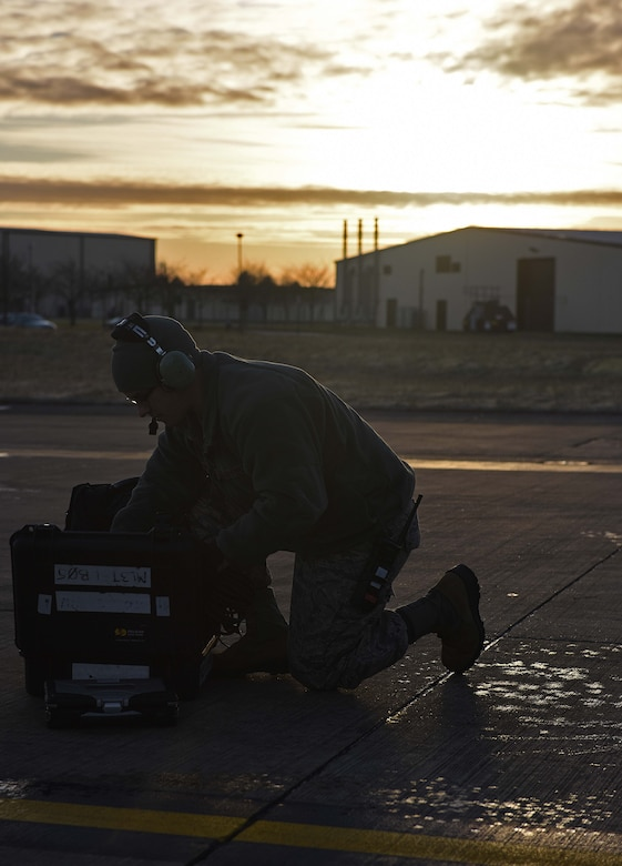 U.S. Air Force Senior Airman Ryan Hortman, 351st Air Refueling Squadron boom operator gives a brief prior to conducting air refueling training with U.S. Air Force F-16C Fighting Falcons, on RAF Milidenhall, England, Feb. 8, 2018. The training was in conjunction with a rotational deployment of U.S. Air Force F-16C Fighting Falcons from the Ohio Air National Guard's 180th Fighter Wing to Amari Air Base, Estonia, as part of a Theater Security Package. (U.S. Air Force photo by Airman 1st Class Luke Milano)