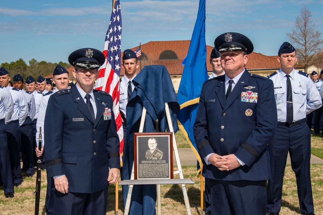 AU, OTS honors former Air Force Surgeon General as a Distinguished Alumni