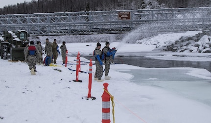 Alaska engineers practice ice bridging