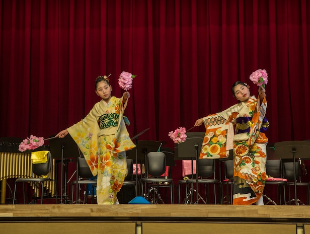 Matthew C. Perry Elementary School welcomed the Shunan International Children's Club for a performance at Marine Corps Air Station Iwakuni, Japan, Feb. 12, 2018.