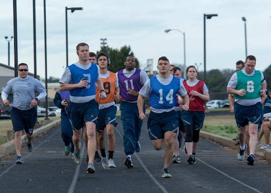 U.S. Airmen begin a timed 1.5 mile run at the track at Shaw Air Force Base, S.C., Feb. 12, 2018.