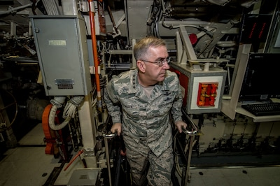 U.S. Strategic Command commander tours ballistic missile submarine.