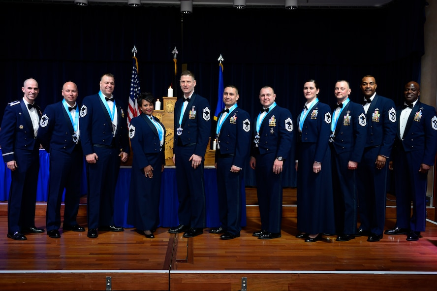 The Air Force selected 472 senior master sergeants for promotion to chief master sergeant out of the 2,142 eligible.