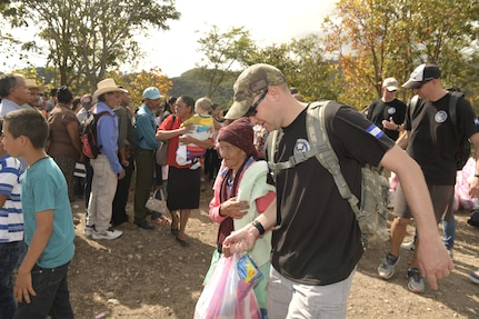 Joint Task Force-Bravo volunteers visit Villages of Comayagua and La Paz