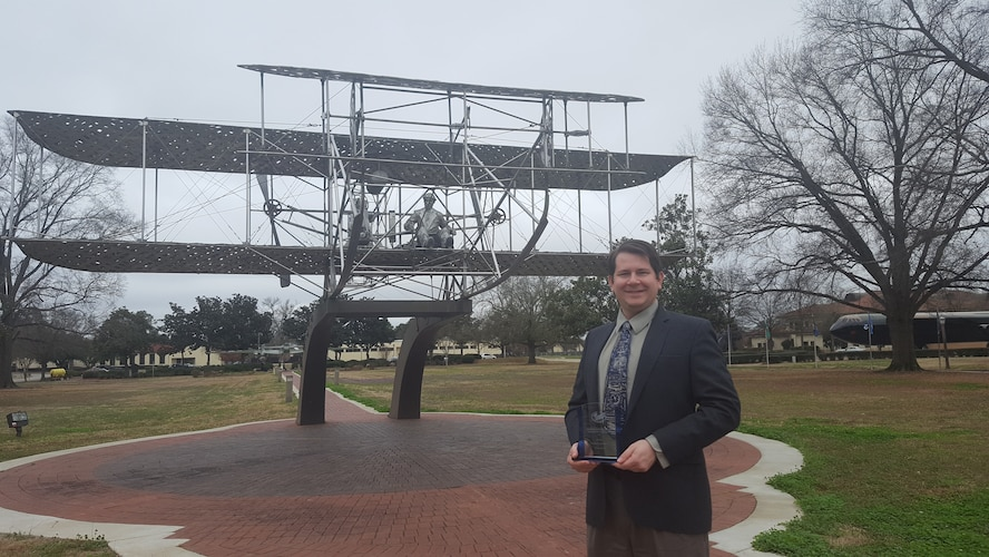 Air University professor wins AF Historical Foundation award