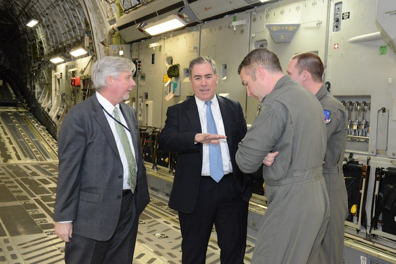 Air Force energy executives visit Edwards
