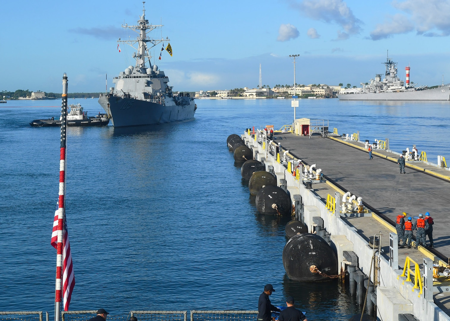The Arleigh Burke-class guided-missile destroyers USS Sterett (DDG 104) and USS Dewey arrive in Pearl Harbor for a port visit. Sterett and Dewey are on a scheduled deployment to conduct operations in the Indo-Pacific region. They will also support the Wasp Expeditionary Strike Group (ESG) in order to advance U.S. Pacific Fleet's Up-Gunned ESG concept and will train with forward-deployed amphibious ships across all mission areas.