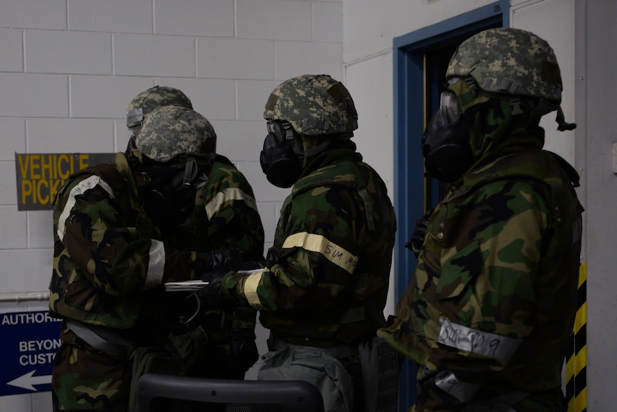 Icemen practice recovery operations during Arctic Gold 18-5