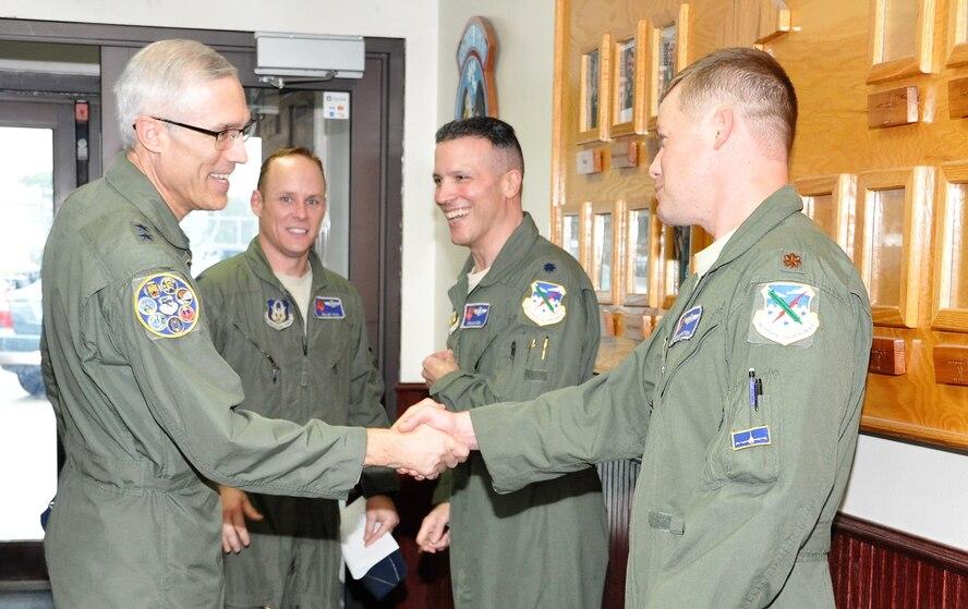 22AF commander, command chief visit 340th FTG