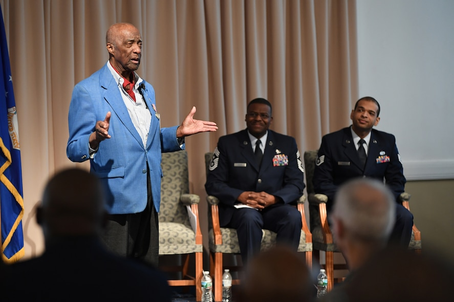 Woodhouse speaks to Airmen