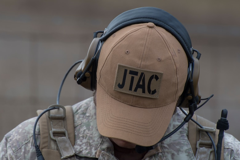 A New Zealand army joint terminal attack controller wears a hat to block the sun during combined training, Feb 20, 2018, in Lakeland, Ga. Ally forces from the Canadian Royal Air Force and NZA traveled to Moody Air Force Base, Ga., to train with the 75th Fighter Squadron on close air support. (U.S. Air Force photo by Staff Sgt. Eric Summers Jr.)
