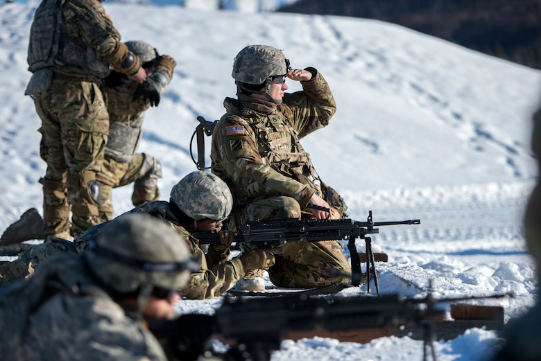 17th Combat Sustainment Support Battalion Soldiers fire machine guns at JBER