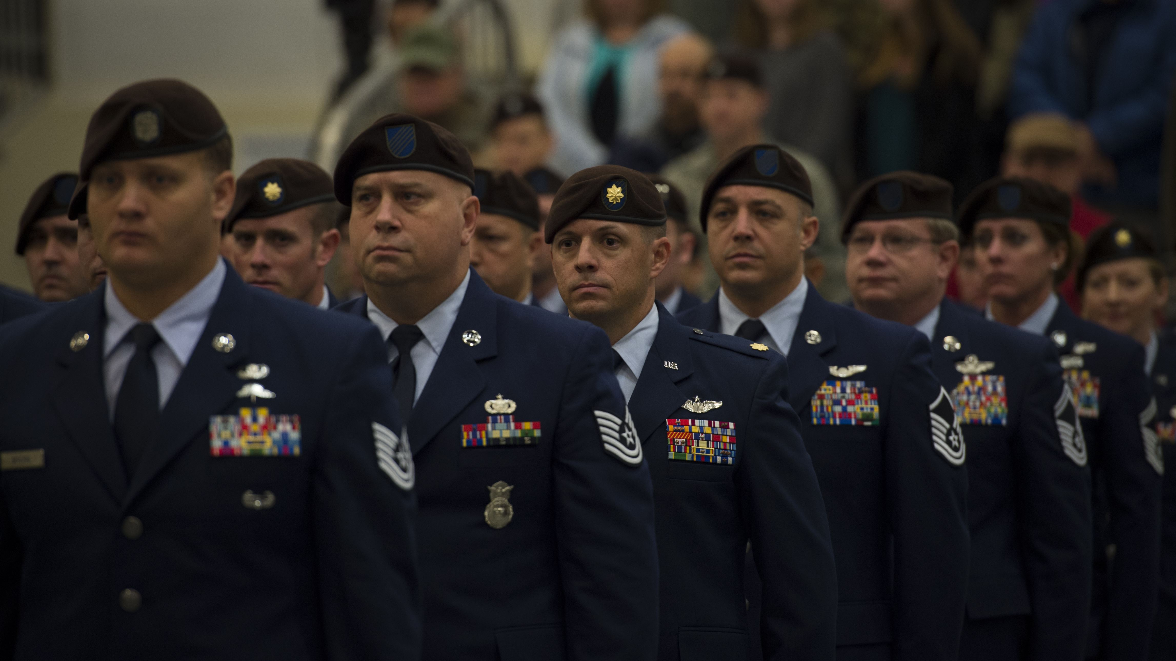 who wears berets in the air force