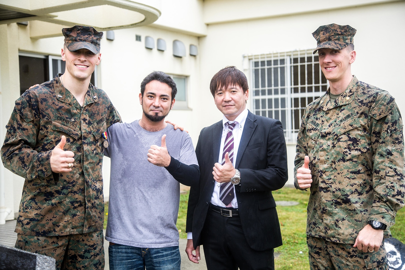 Marine awarded for rescuing four Okinawans from rip tide