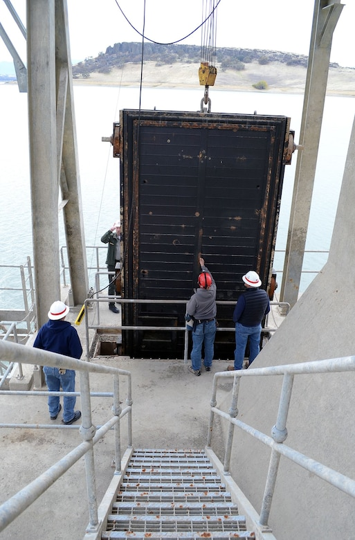 Sacramento District Operations and Dam Safety Sections takes a look at Black Butte Dam's bulkhead gate on Nov. 30, 2017.