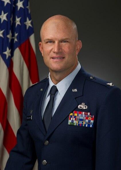 Col. David Hammerschmidt, MXG commander, official photo