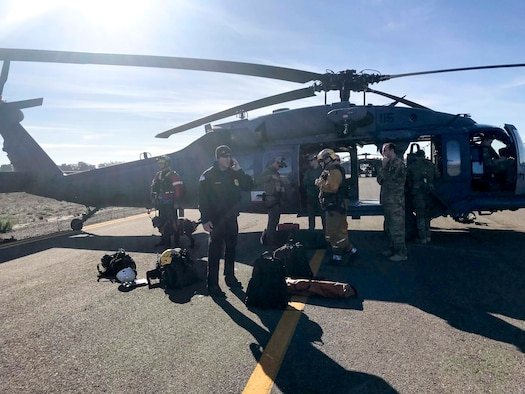 A California Air National Guard HH-60G Pave Hawk rescue helicopter with air crews and  two elite Guardian Angel pararescuemen from the 129th Rescue Wing Moffett Air National Guard Base, Calif, provide search and rescue operations in Southern California, impacted by a mud slides, Jan. 10, 2018. (photo by Staff Sgt. Cristian Meyers/released)