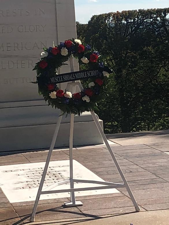 Alabama Guardsman Lays Wreath at Arlington