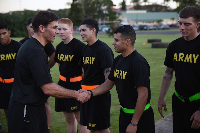 Army Secretary visits 25th Infantry Division