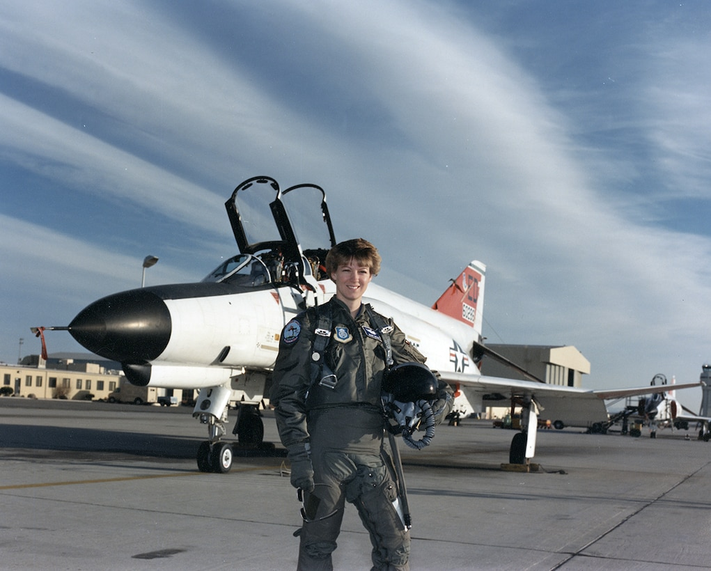 NASA selected Maj Eileen M. Collins, a student in Class 89-B of the USAF Test Pilot School, as a Space Shuttle pilot candidate.