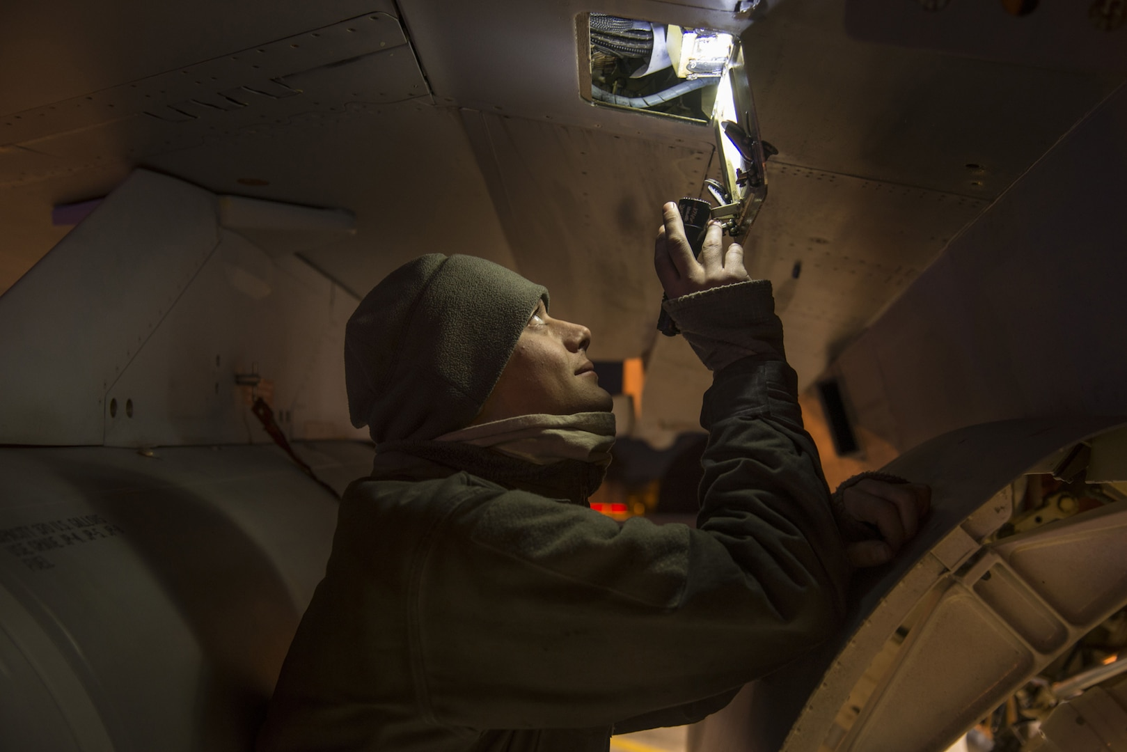 Night flying enhances aircraft maintenance unit's readiness