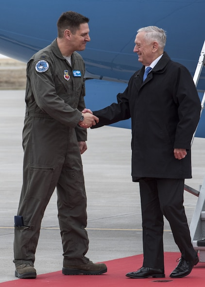 Col. Joseph Kunkel, 366th Fighter Wing commander, welcomes Defense Secretary James N. Mattis to Mountain Home Air Force Base, Idaho, Jan. 16, 2018. Mattis' visit included a meeting with base leadership and a town hall where he answered Airmen's questions.