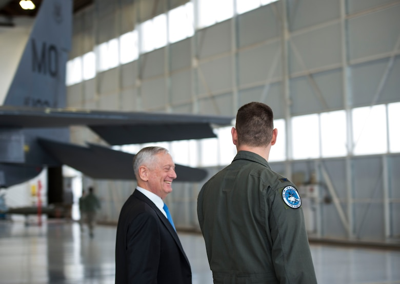 Defense Secretary James N. Mattis speaks with Col. Joseph Kunkel, 366th Fighter Wing commander, after a town hall meeting at Mountain Home Air Force Base, Idaho, Jan. 16, 2018. Mattis met with base leadership and fielded questions from Airmen during the town hall.