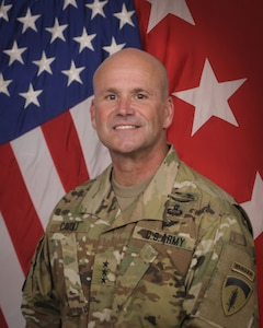 Official Photo, in Army Combat Uniform, US Army Europe Commander