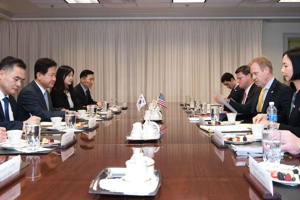 Deputy Defense Secretary Patrick M. Shanahan, center right, talks with South Korean Vice Defense Minister Suh Choo Suk at the Pentagon, Jan. 19, 2018. DoD photo by Army Sgt. Amber I. Smith