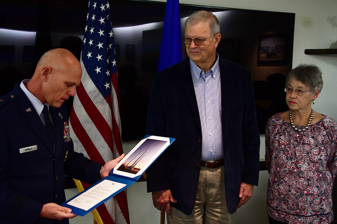 Local World War II pilot honored for service