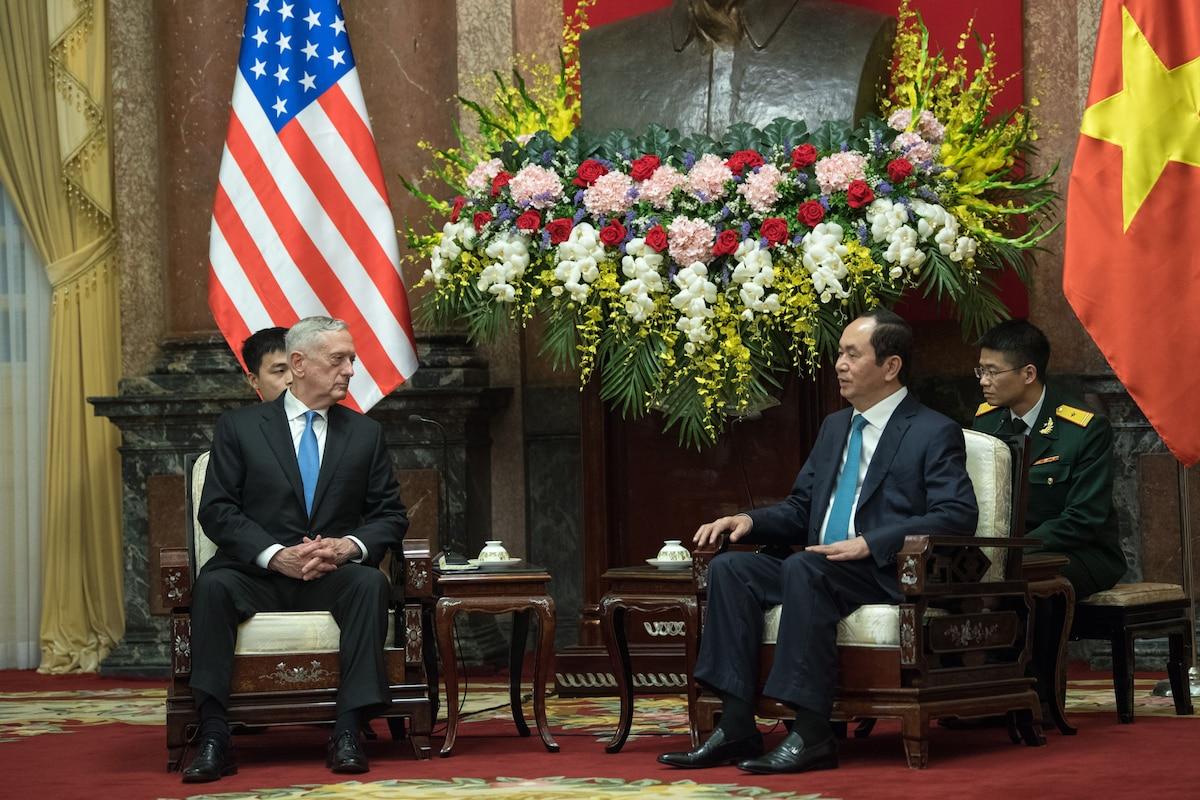 Defense Secretary James N. Mattis meets with Vietnamese Prime Minister Nguyễn Xuân Phúc in Vietnam.