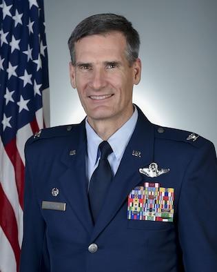 Official photo of U.S. Air Force Col. Daniel Sarachene