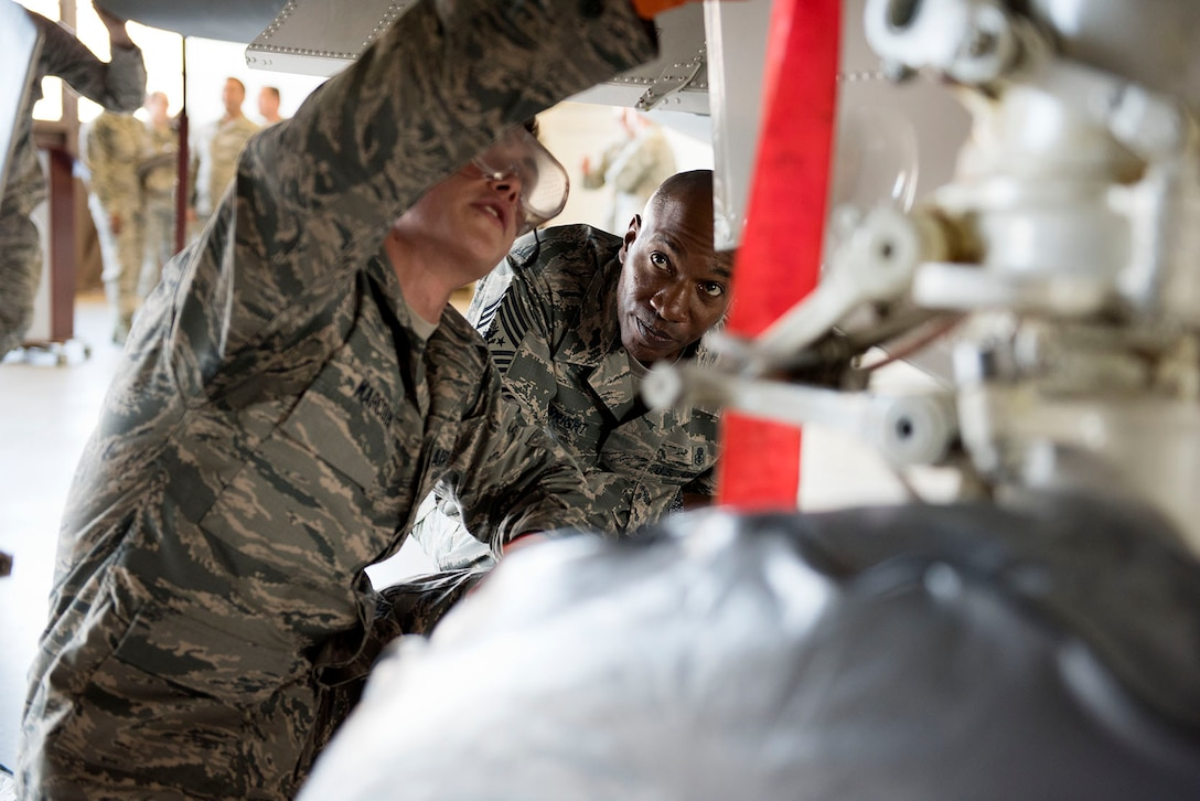 CMSAF Wrights visits Sheppard AFB