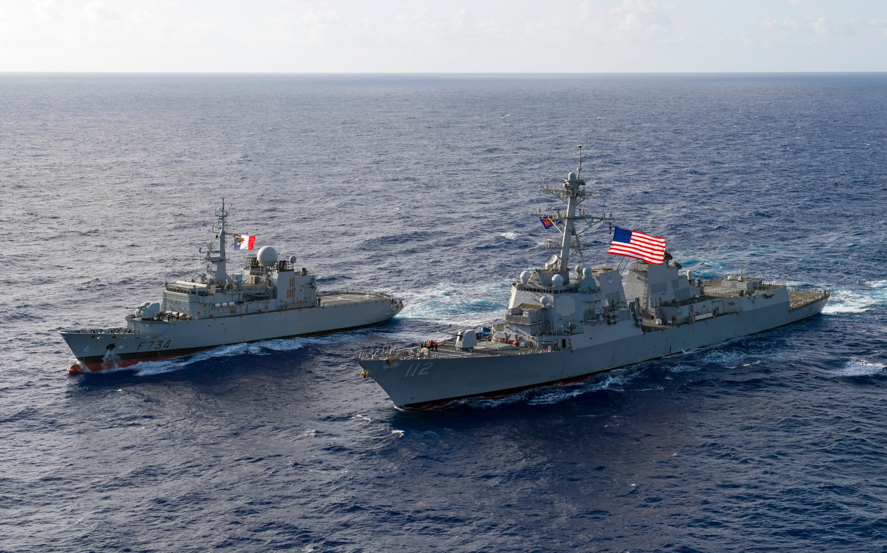 USS Michael Murphy conducts PASSEX with French Navy