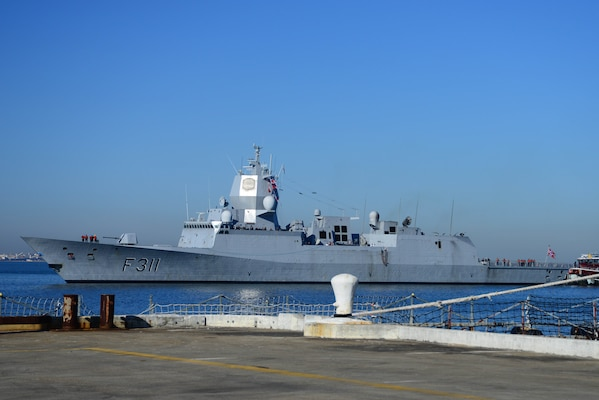 Norwegian frigate arrives in Norfolk, Virginia.