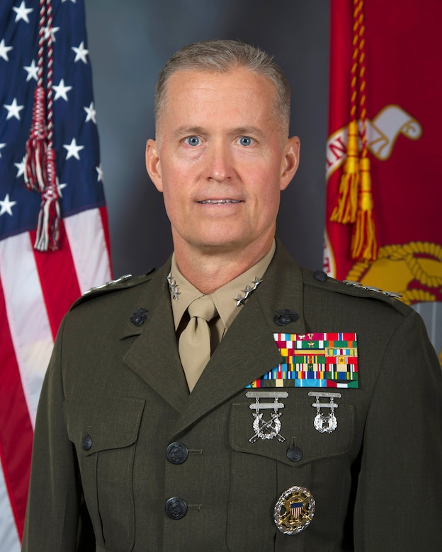 Lieutenant General Carl E. Mundy, III