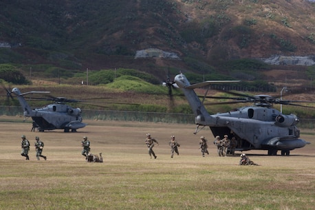 Philippine, U.S. Marines rehearse air assault during RIMPAC