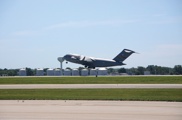 A C-17 Globemaster III assigned to the 911th Airlift Wing, Pittsburgh International Airport Air Reserve Station, Pennsylvania takes off from Wright-Patterson Air Force Base, June 14, 2018.