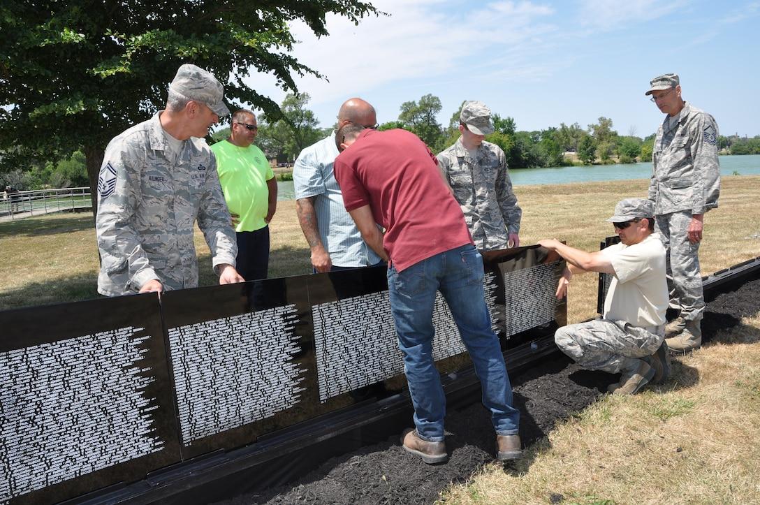 Niagara Airmen lend a helping hand