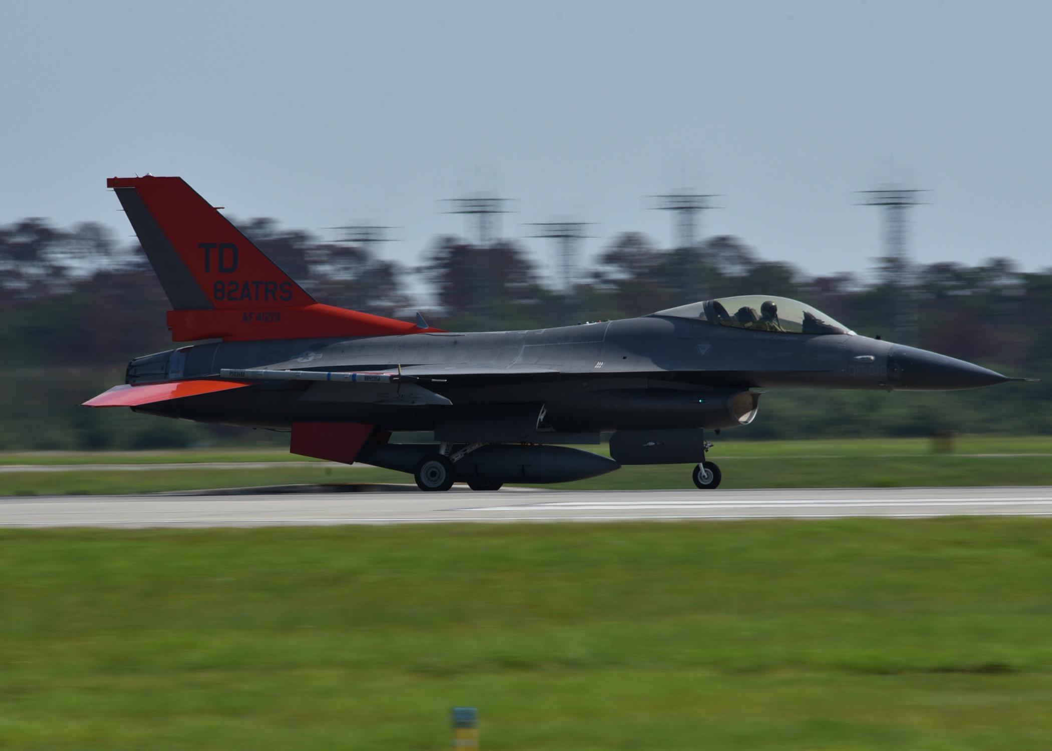 F-22 pilots fire live missiles at Combat Archer > Air Combat
