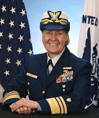 Photo of Vice Admiral Linda L. Fagan