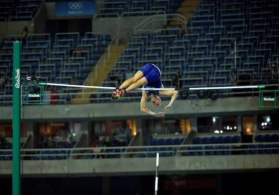 2nd Lt. Sam Kendricks wins pole vault bronze at Rio Games