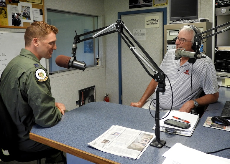 Quick-thinking Whiteman pilots use Air Force training to