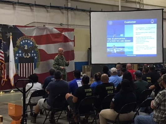 New Distribution commander visits Corpus Christi site
