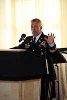 Lt. Gen. Todd Semonite speaks at change-of-command