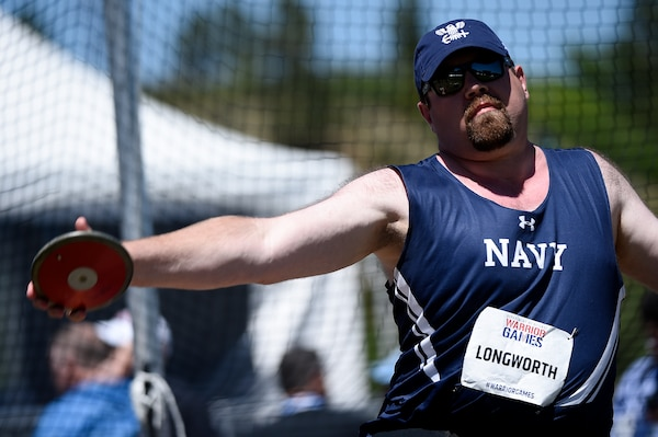 Bill Longworth competes in seated discuss during the 2018 Warrior Games. (Courtesy photo)