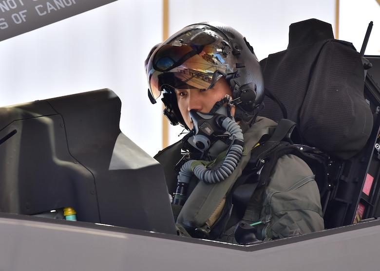 d0c4ad94e South Korean Air Force F-35A pilot takes first flight > U.S. Air ...