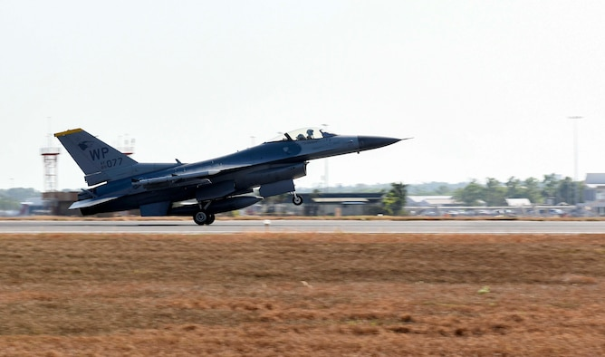 A U.S. Air Force F-16 Fighting Falcon, assigned to the 80th Fighter Squadron, Kunsan Air Base, Republic of Korea, lands on Royal Australian Air Force Base Darwin, Australia, during Exercise Pitch Black 2018, July 30, 2018. This multi-national large force employment exercise will host more than 4000 personnel and approximately 140 aircraft from 16 partner and allied nations across the globe. (U.S. Air Force photo by Senior Airman Savannah L. Waters)