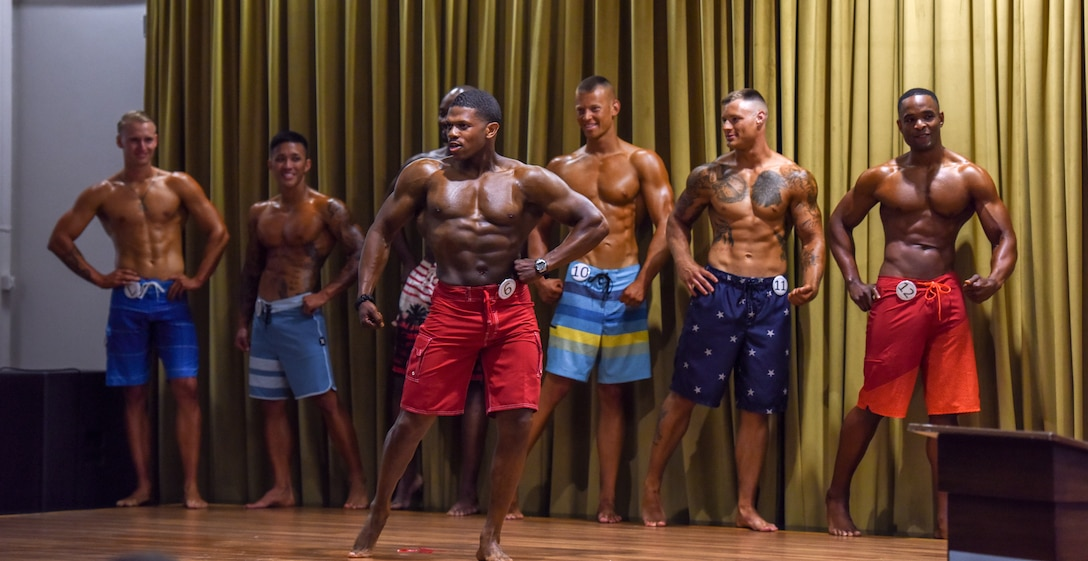 Airman poses for judges during men's physique division